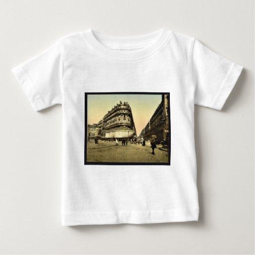 Rue de la Republic, Marseilles, France classic Pho T Shirt