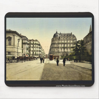 Rue Nationale, Montpelier, France classic Photochr Mousepad