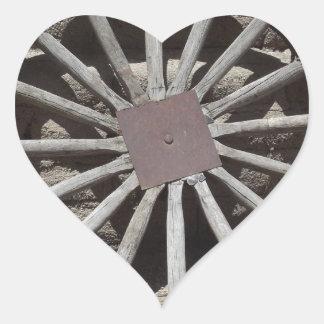 Rueda de carro pegatina en forma de corazón