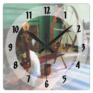 Rueda de hilado grande reloj cuadrado