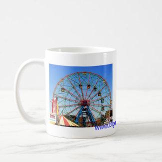 Rueda de la maravilla - Coney Island, taza de NYC