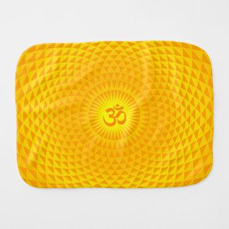 Rueda de oro amarilla OM de la meditación de la fl Paños Para Bebé