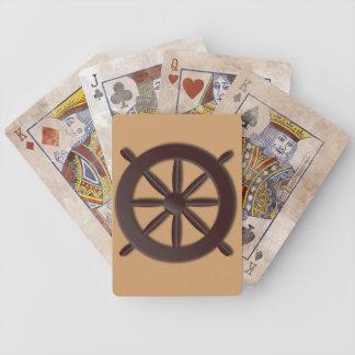 Rueda del barco en moreno barajas de cartas