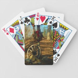 Rueda del navidad guirnalda y de carro barajas de cartas