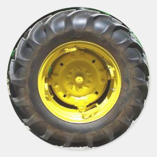 rueda del tractor del verde amarillo pegatina redonda