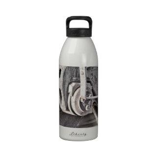 Ruedas del tren botellas de agua reutilizables