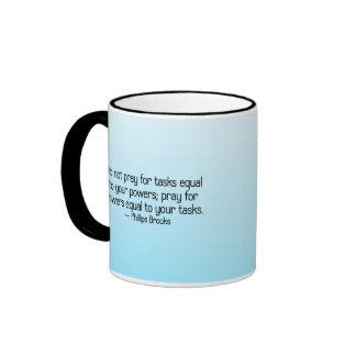 Ruegue para que el poder alcance taza de café