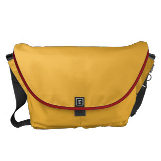 RUGGED AND PRACTICAL MESSENGER BAG