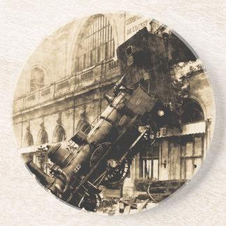 Ruina del tren en el vintage 1895 de Montparnasse Posavasos Cerveza