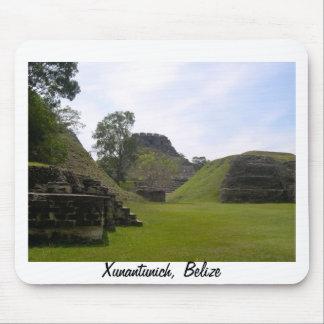 Ruina maya de Xunantunich Alfombrillas De Ratón