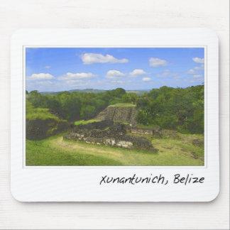 Ruina maya de Xunantunich en Belice Mousepad