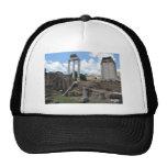 Ruinas antiguas del pilar del templo del ágora gorro de camionero
