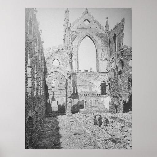 Ruinas católicas de la catedral durante la guerra  impresiones