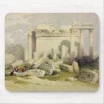 Ruinas del pórtico del este del templo del Baal Mouse Pad