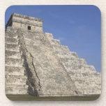 Ruinas mayas en Chichen Itza, pirámide de Kukulcan Posavasos De Bebida