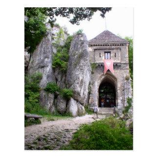 Ruinas medievales del castillo postal