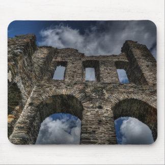 Ruinas viejas del castillo tapete de ratones