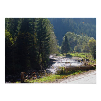 Rumania, el Moldavia, corriente de la montaña Impresiones