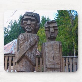 Rumania, escultura de madera tradicional tapete de ratón