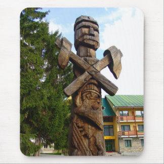 Rumania, escultura de madera tradicional alfombrillas de ratones