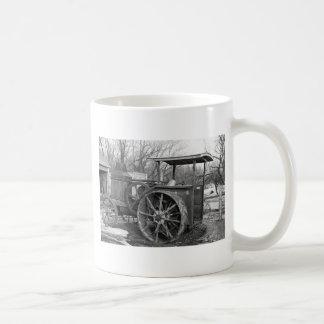 Rumely anticipado Tractor, 1936 Taza Básica Blanca