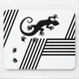 Running Gecko - black & white stripes abstract2 Mouse Pad