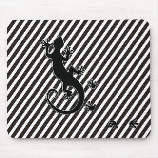 Running Gecko - black & white stripes Mouse Pad