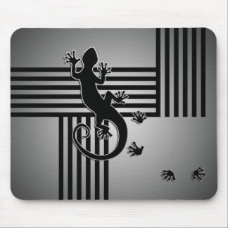 Running Gecko - black & white stripes shine Mouse Pad