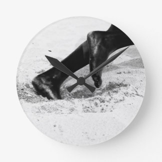 running out of sand round clock
