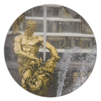 Russia, St. Petersburg, Peterhoff (aka 3 Plate