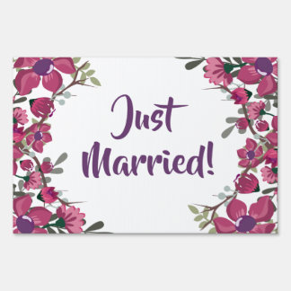 Rustic Decorative Floral Just Married Yard Sign