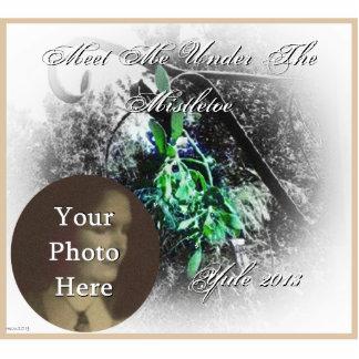 Rustic Mistletoe Yule Winter Solstice Christmas Statuette