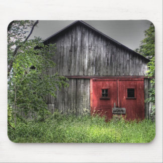 Rustic Old Barn Mouse Pad