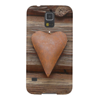 Rustic Old Heart on Log Cabin Wood Galaxy S5 Cover