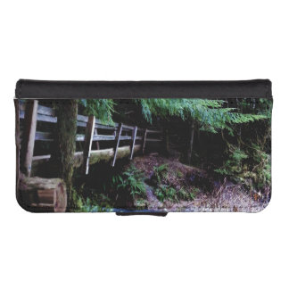 Rustic Wooden Bridge Olympic Park iPhone SE/5/5s Wallet