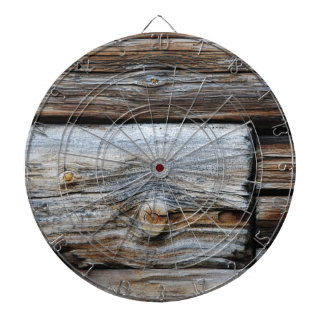 Rustikale wood structure dartboard with darts