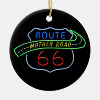 Ruta 66, el camino de la madre, señal de neón adorno navideño redondo de cerámica