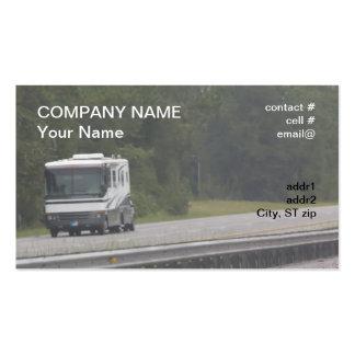 rv grande que viaja en autopista tarjeta de visita