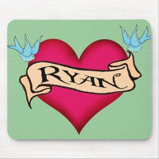 Ryan - camisetas y regalos de encargo del tatuaje tapetes de ratones
