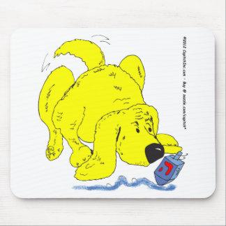 s9 Hanukkah Dog Watching Dradle Mouse Pad