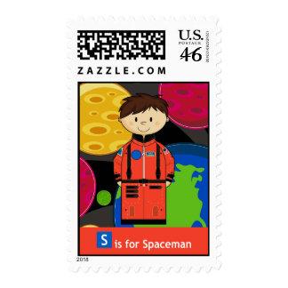S está para el astronauta con el sello de los plan