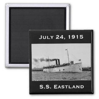 S.S. Eastland según lo fotografiado por la postal  Imán Cuadrado