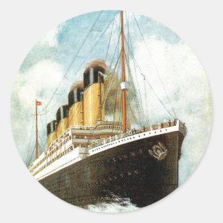S S Titánico en el mar Etiqueta Redonda