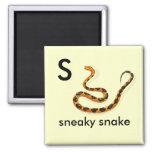 S - serpiente disimulada iman de nevera