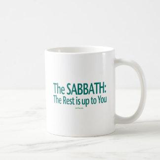 Sabat el resto incumbe a usted taza básica blanca