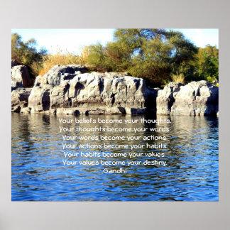 Sabiduría de Gandhi que dice la cita sobre destino Posters