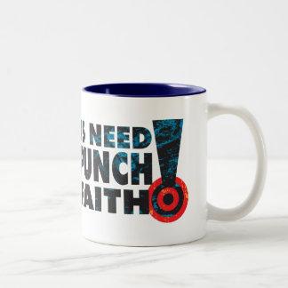 Sacador en la fe taza de café