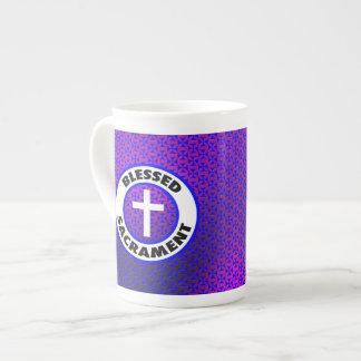Sacramento bendecido taza de porcelana