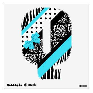 Safari: Turquoise/Bow: Q Wall Sticker