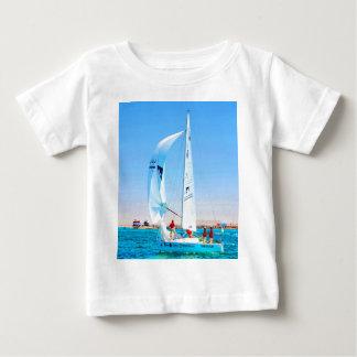 Sail to goal and success bahrain sky sailboats t-shirt